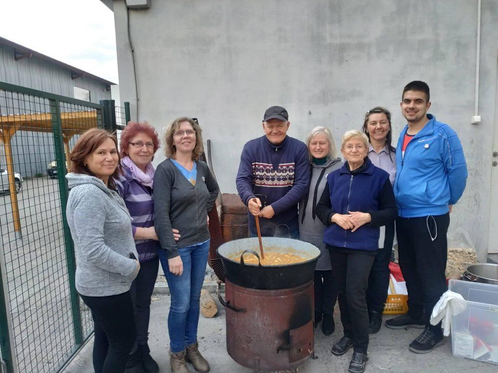 Projekt DePaul - varenie guľáša