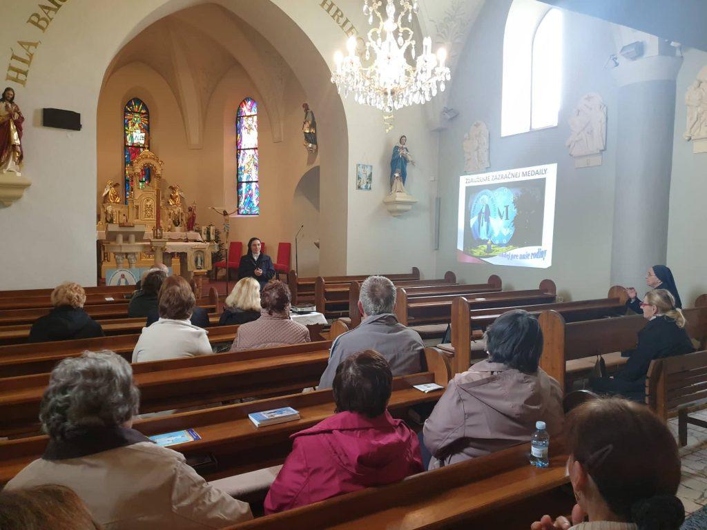 Stretnutie a požehnanie kaplnky v Slovenskom Grobe